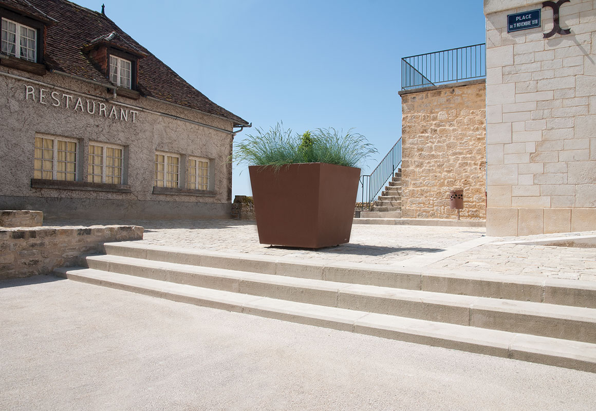 Mobilier Urbain Jardiniere I-KHEOPS III - Création Originale Cyria