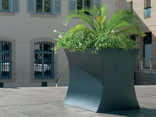 Mobilier Urbain Jardiniere MISS FLOWER III - Création Originale Cyria